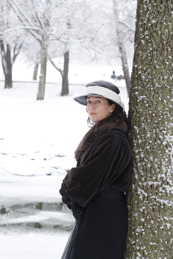 Jessica Zandén leaning against a tree — my Grandmother Gladys